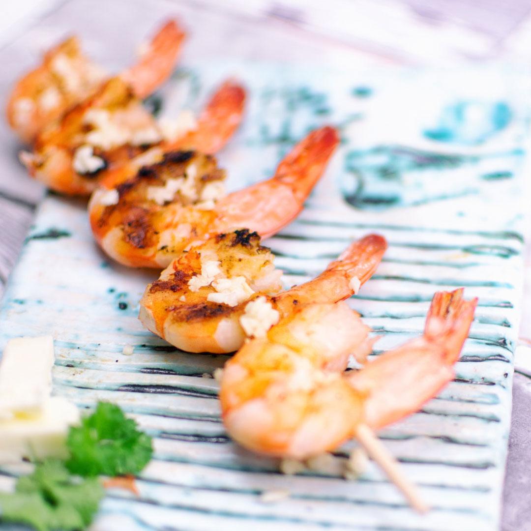 grillowane-krewetki-z-czosnkiem-i-maslem-rodem-z Tajlandii